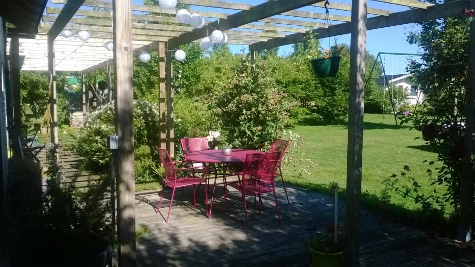 Terrasse-maison-bois-repas-2