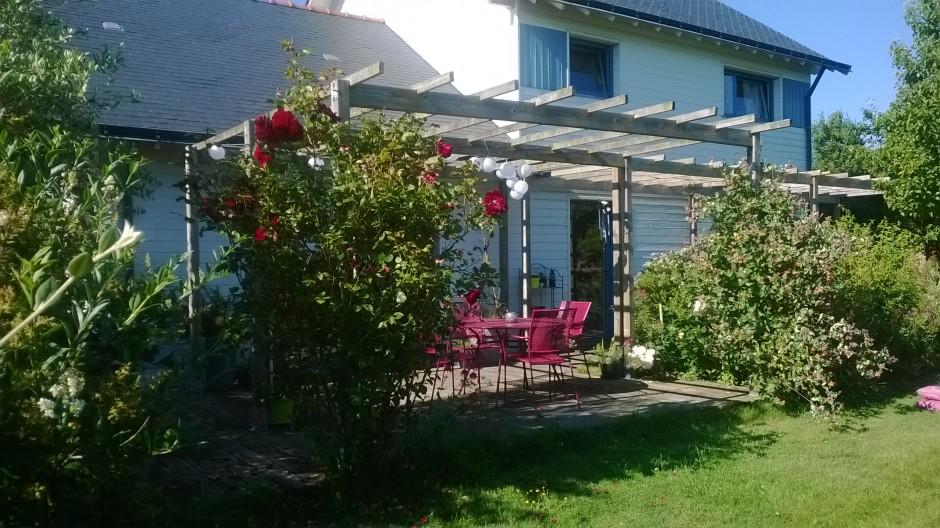 Terrasse-maison-bois-repas